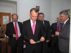 parlamentari pasapoarte